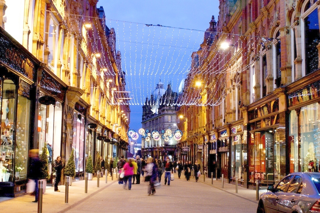Famous Shopping Destinations in England | Travelguru Blog