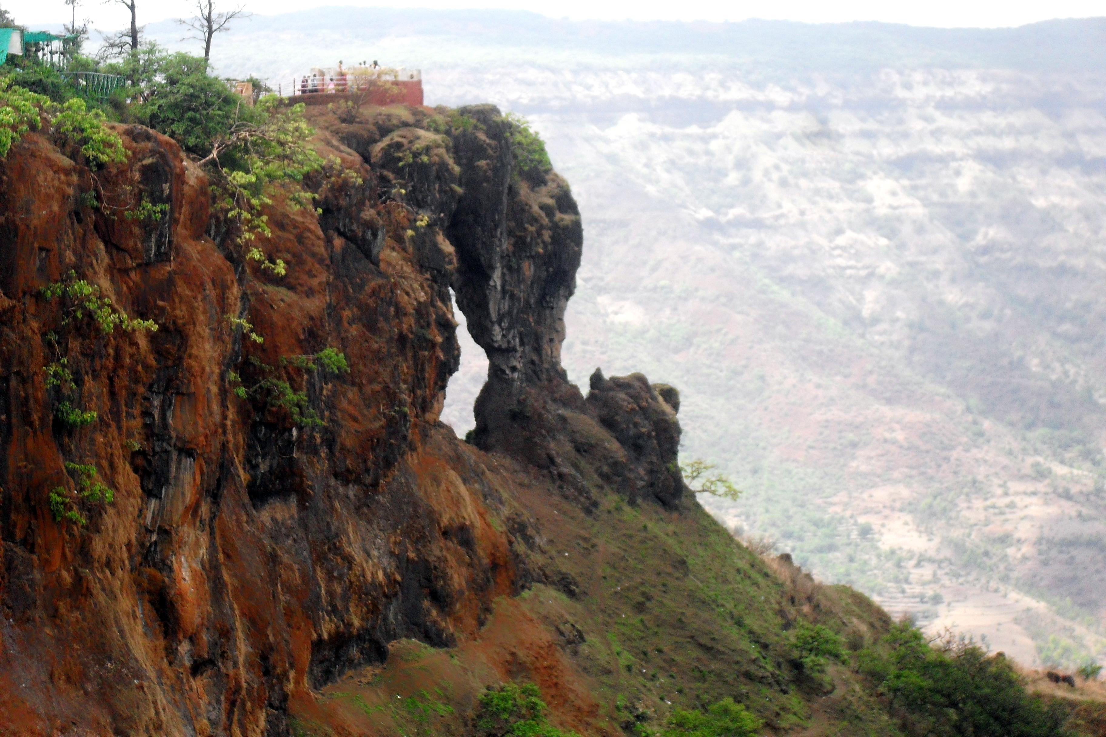 Plan a Weekend Trip to Mahabaleshwar | Travelguru Blog